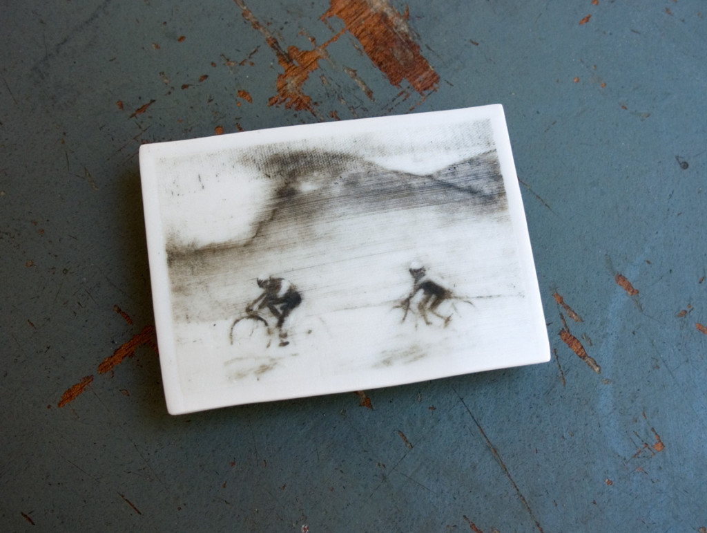 211 - Phossil 81 - Tour de france 1949 (2015) - 9.5cm x 6.7cm x 0.3cm approx.- hand-painted with pigment on porcelain, fired twice up to 1280cº