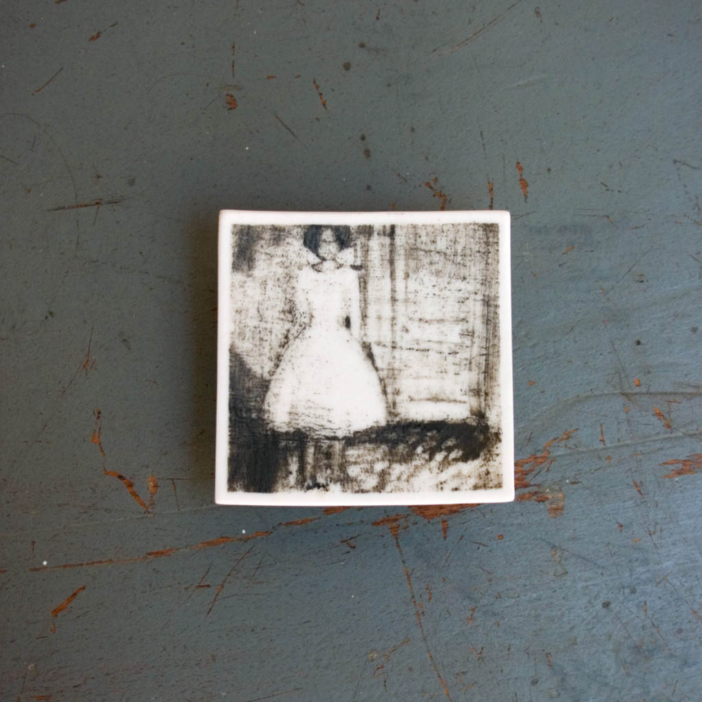 212 - Phossil 82 - Woman in White dress - anon (2015) - 6.1cm x 6.2cm x 0.2cm approx.- hand-painted with pigment on porcelain, fired twice up to 1280cº